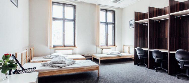 Przestronny pokój w hostelu Katowice